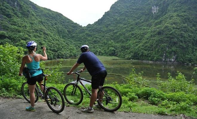 Balade à vélo au village de Viet Hai à Cat Ba