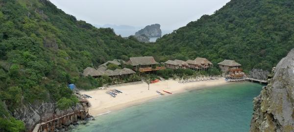 Plage dans la baie de Lan Ha - ile de Cat Ba