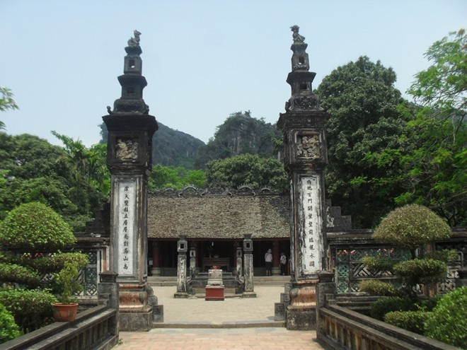 Ninh Binh - baie d'Halong terrestre - les temples des Empereurs Dinh et Le à Hoa Lu