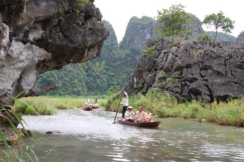 Ninh Binh - baie d'Halong terrestre - balade en barque à Thung Nang