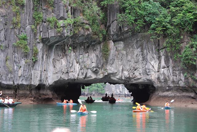 Sortie en kayak à Hang Luon, Halong