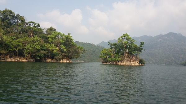 Récit de voyage au lac Ba Be