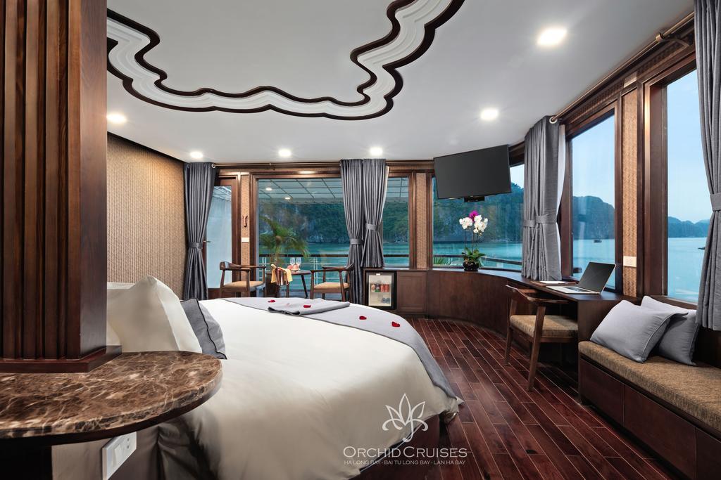 baie d 39 halong moins touristique liste des croisi res avec prix explication. Black Bedroom Furniture Sets. Home Design Ideas