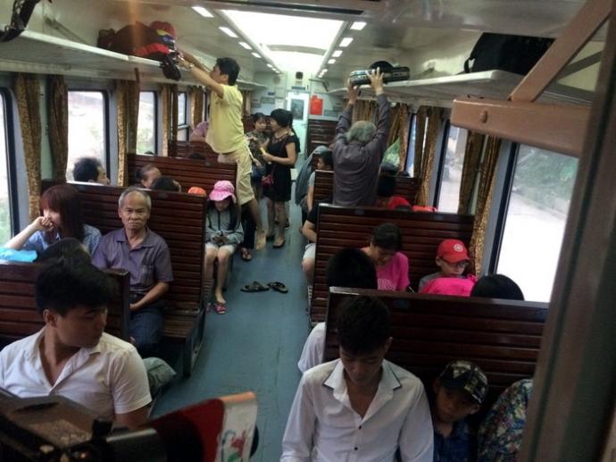 siege dur train Vietnam