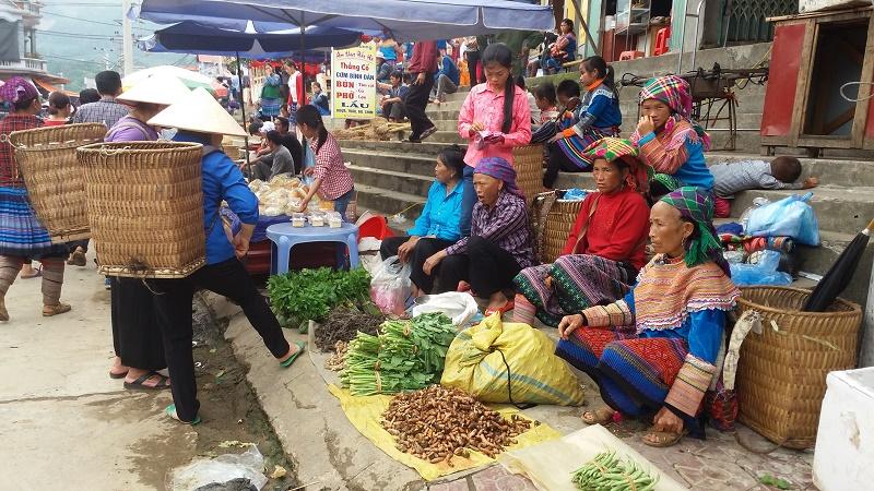 Bac-Ha-Vietnam-meilleurs-astuces-voyager-marché-Bac-Ha