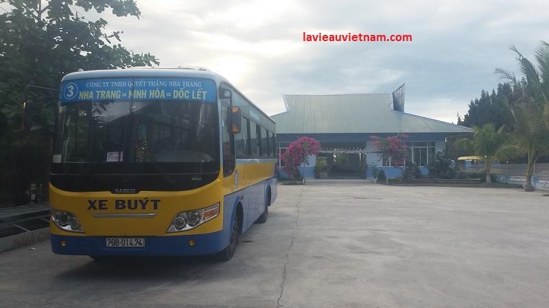 bus Nha Trang pour la plage de Doc Let