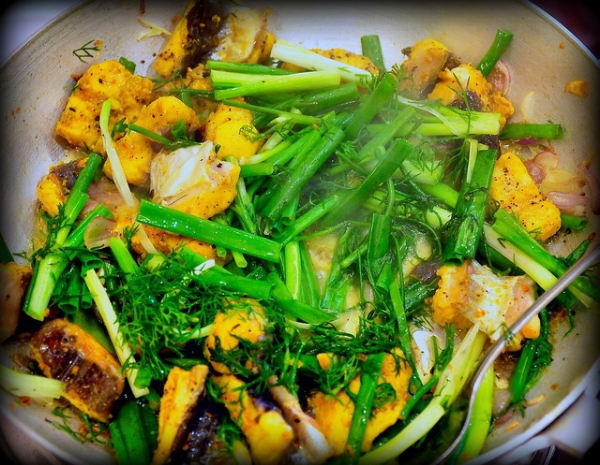 cha ca, bon plat de Hanoi