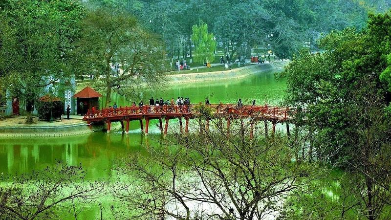 Que faire à Hanoi - pont-rouge-Thue-Huc-lac-Hoan-Kiem