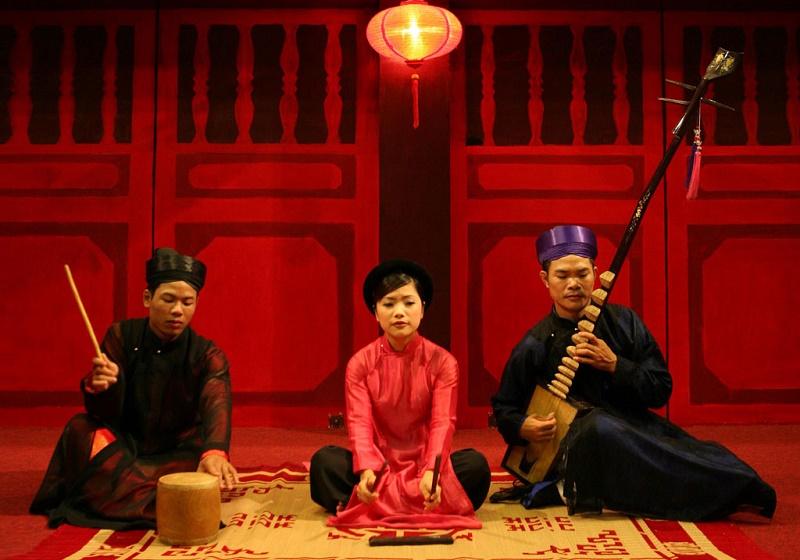 Que faire à Hanoi-spectacle-ca-tru-musique-folklorique-Hanoi