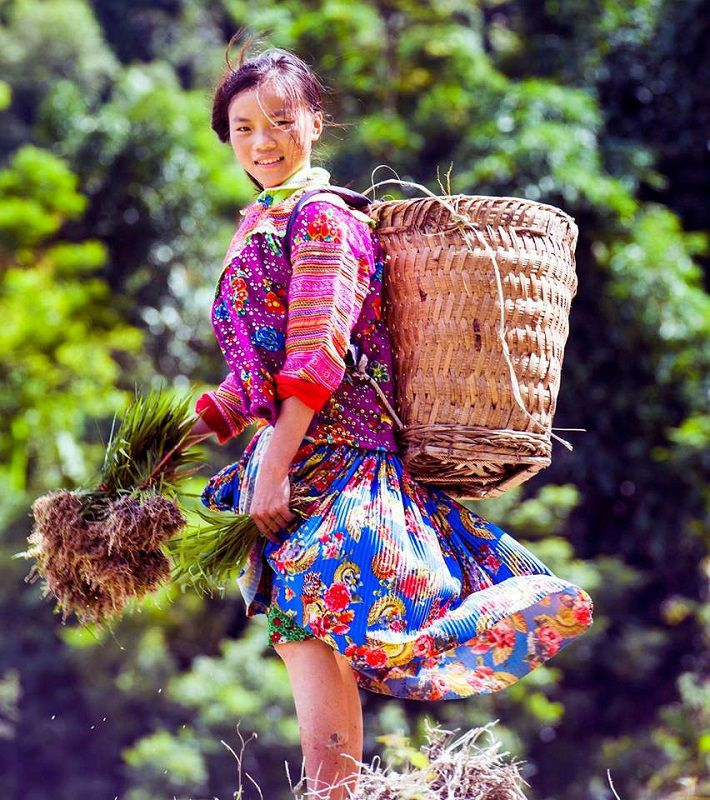 recit-voyage-Hoang-Su-Phi-femme-Hmong-bariolé