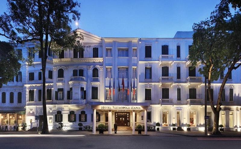 Cinq raisons pour lesquelles tout le monde aime l'hôtel Hanoi Sofitel Legend Metropole -facade