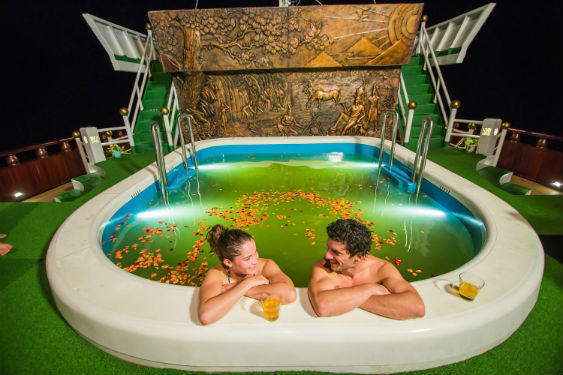 Jacuzzi sur le Dragon Legend