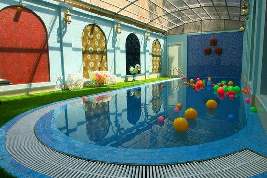 hotel-piscine-hanoi-boss-legend
