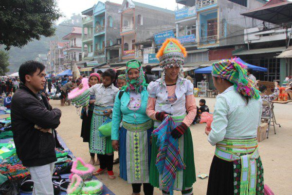 jours-marché-Bao-Lac-Cao-Bang-ethnie-Hmong
