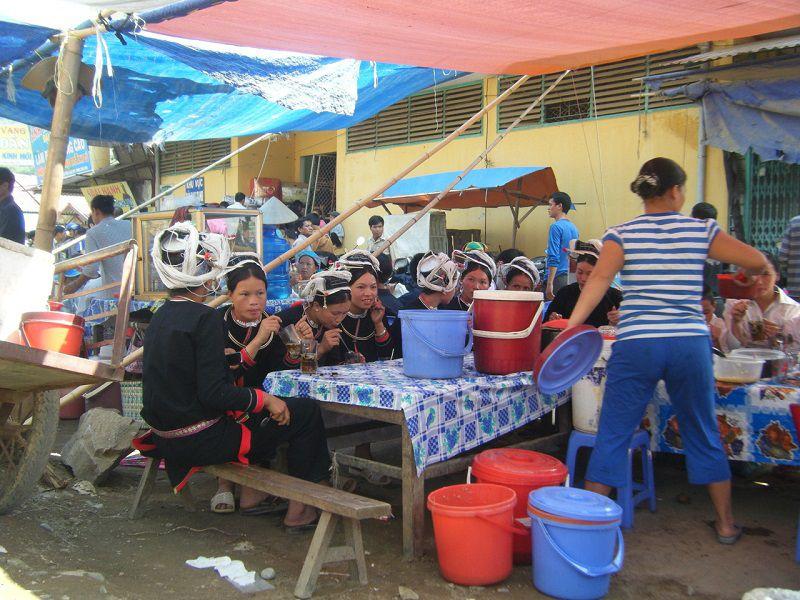jours-marché-Bao-Lac-Cao-Bang-ethnie-SanChi