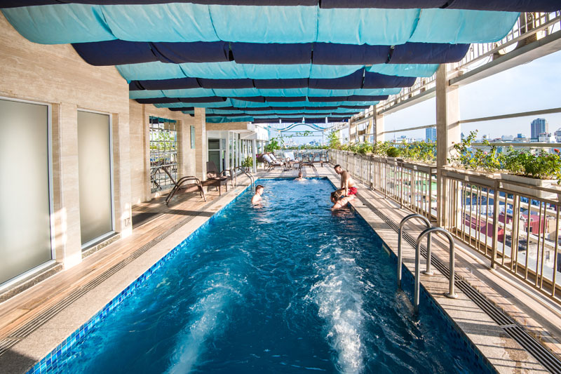 hotel-piscine-hanoi-may-de-ville-old-quarter
