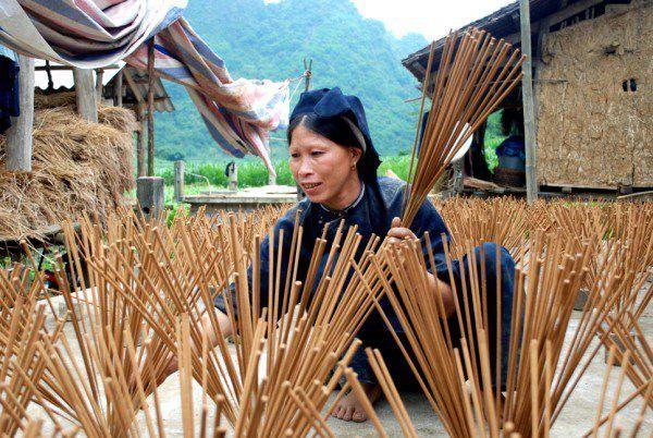 Cao-Bang-Vietnam-que-faire-top-8-choses-ne-pas-rater-village des ethnies Nung