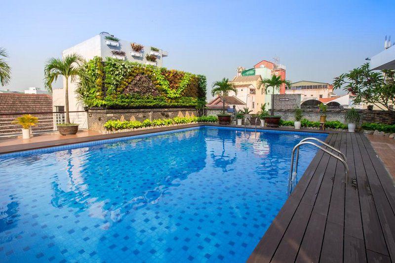 hotel hue vietnam-Top 6 des hôtels avec piscine à prix raisonnable sur Hué Vietnam-Rosaleen-hotel-piscine