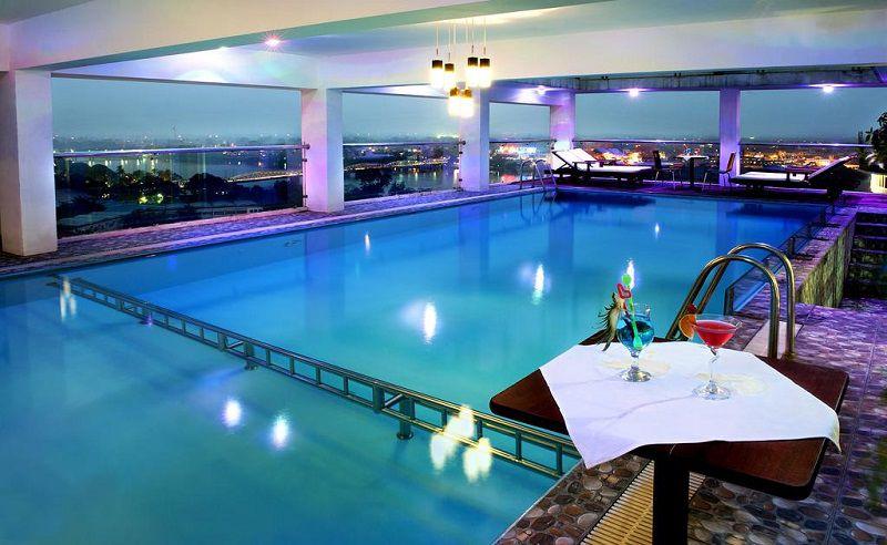 hotel hue vietnam-Top 6 des hôtels avec piscine à prix raisonnable sur Hué Vietnam-Midtown-hotel-piscine