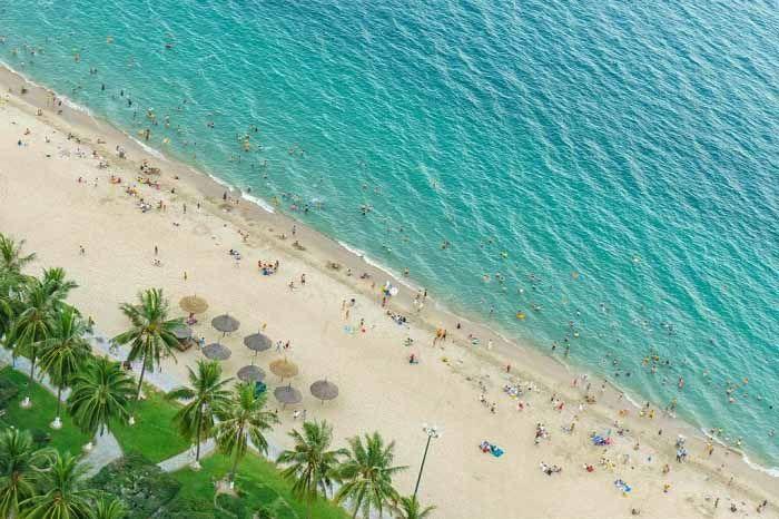Nha Trang Vietnam plage-centrale-Nha-Trang-vue-depuis-un-hotel