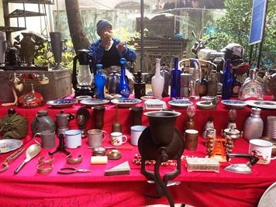 La foire d'antiquités du samedi à Hanoi