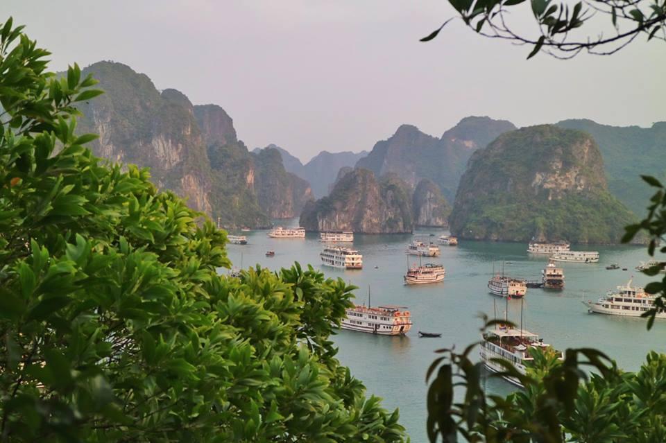 croisière baie d'Halong - liste des croisières moins touristiques