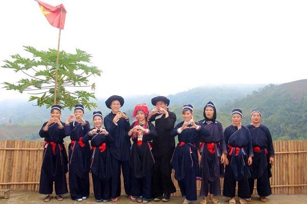 Dao-tunique-longue-Hoang-Su-Phi