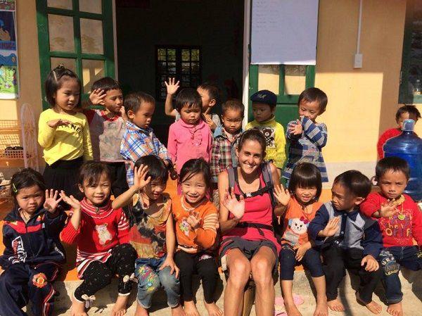jouer-avec-enfants-Hoang-Su-Phi