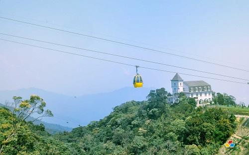 Da Nang Vietnam-Ba Na Hills en téléphérique