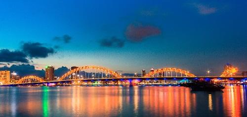 Da Nang Vietnam-pont du Dragon