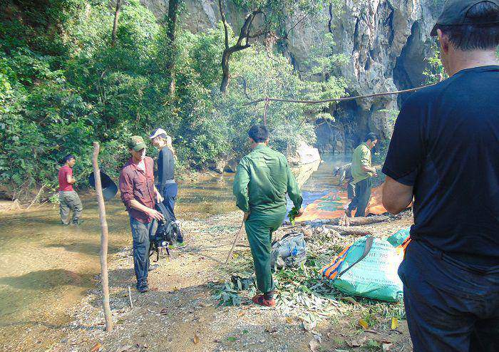 Trek au parc national de Phong Nha Ke Bang-préparation du déjeuner