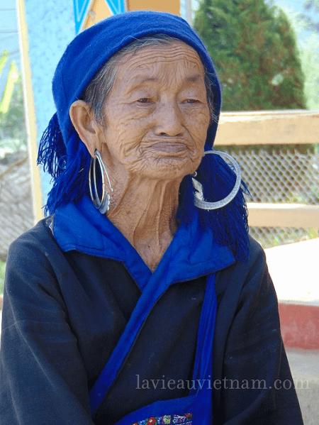 une femme Hmong-Mu-Cang-Chai