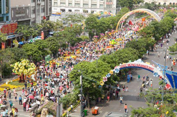 rue piétonne Nguyen Hue avant la fête du Têt 2017